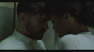 J Alvarez ft. Carlitos Rossy - Pienso En Ella