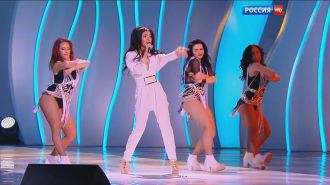 Нюша - Где ты, там я (Live, Шоу Валентина Юдашкина 2016)