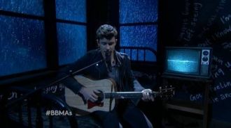 Shawn Mendes - Stitches (Live Billboard Music Awards 2016)