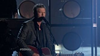 Blake Shelton ft. Gwen Stefani - Go Ahead and Break My Heart (Live Billboard Music Awards 2016)
