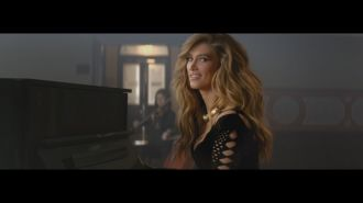 Delta Goodrem feat. Gizzle - Enough
