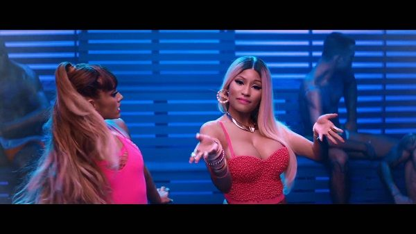 Ariana Grande Feat. Nicki Minaj – Side To Side