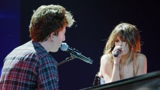 Charlie Puth feat. Selena Gomez - We Don't Talk Anymore (Revival Tour Live Version 2016)