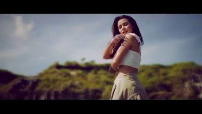 Yassi Pressman - Possibility of You and Me