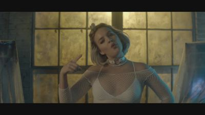 Illy feat. Anne-Marie - Catch 22