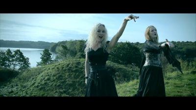 AKOMA feat. LIV KRISTINE - Revangels