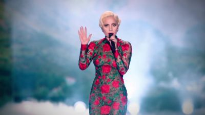 Lady Gaga - Million Reasons (Live From The Victoria's Secret Fashion Show 2016 In Paris)