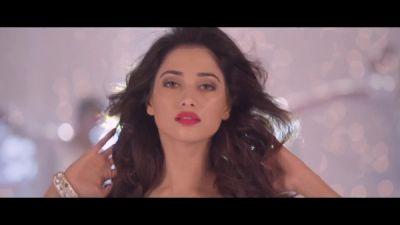 Hiphop Tamizha & Sniggy - Kaththi Sandai