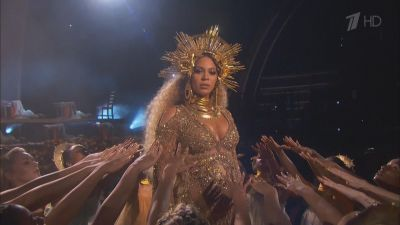 Beyonce - Love Drought. Sandcastles (Live, Grammy Awards 2017)