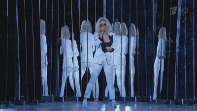Katy Perry feat. Skip Marley - Chained to the Rhythm (Live, Grammy Awards 2017)