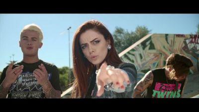 Benji & Fede feat. Annalisa - Tutto per una Ragione