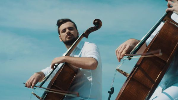2CELLOS - Chariots of Fire