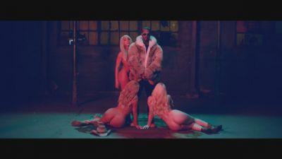 Yelawolf ft. Travis Barker, Juicy J - Punk