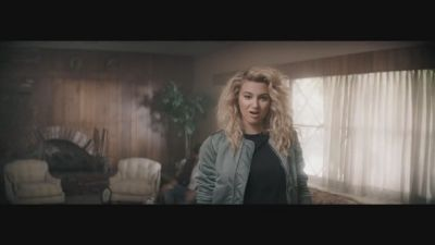 Chris Lane ft. Tori Kelly - Take Back Home Girl