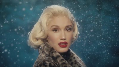 Gwen Stefani ft. Blake Shelton - You Make It Feel Like Christmas