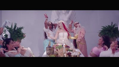 Ava Max - Kings & Queens